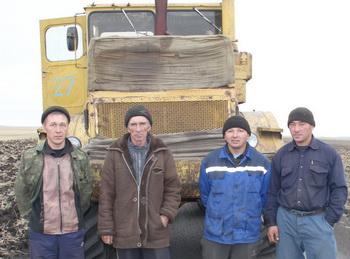 Слева направо - Баянбай Дюсенбеков, Виктор Сальников, асланбек Илишев и Жаксалык Алибаев
