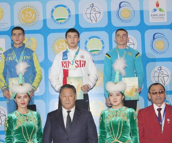 Окс Олег - бронзовый призер ЧМ по гиревому спорту.