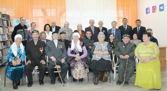 пожилые-пары